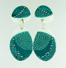 green textured earrings